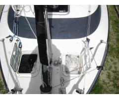 Anchor rode hatches