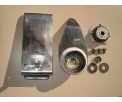 Mast rotating bearing