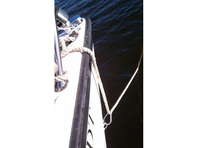 Using Bow Hook for Improving Anchor Line Control