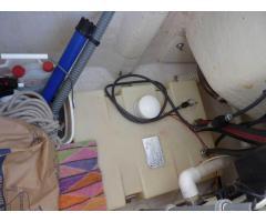 Below-deck, external fill gasoline system