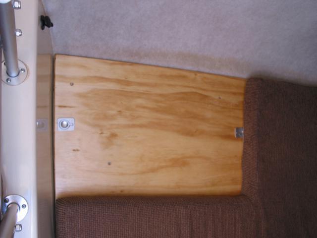 Strengthened floor for waeco fridge